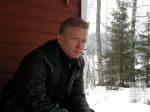 Jarkko Sandell on puusepäksi opiskeleva runoilija ja entinen kirjakauppias.