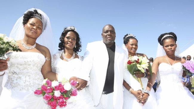 Valkoiset miehet mustalla naisilla suku puoli